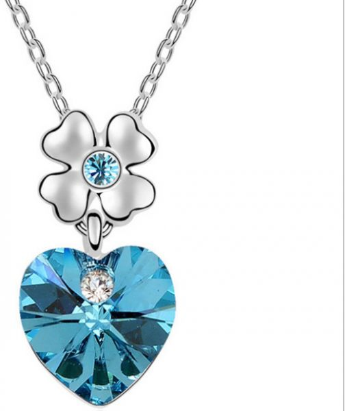 Blue heart-shaped crystal pendant necklace