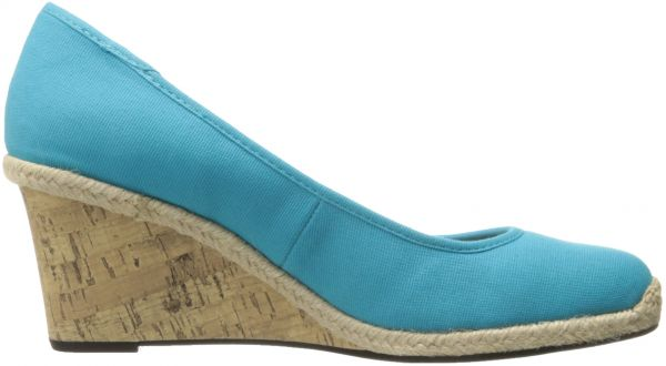 be2d702f0205 LifeStride Women s Listed Wedge Pump