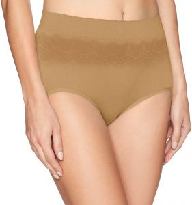 939df23ef437 Vanity Fair Women's No Pinch-No Show Seamless Brief Panty 13170, Soft  Toffee Lace, Medium/6