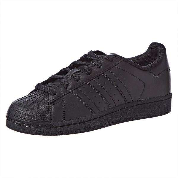 huge discount a16f4 24a83 adidas Originals Superstar Foundation J Sneakers For Boys   Souq - UAE