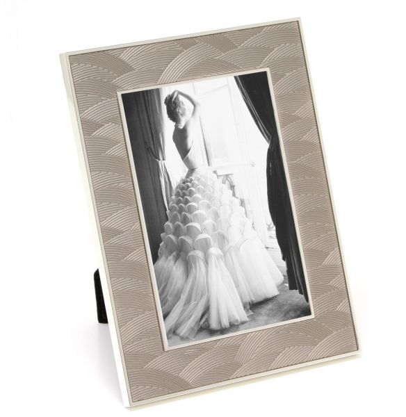 Maxxi Designs Photo Frame with Easel Back 5\