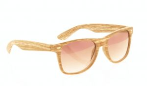5a8af1333f4 Sunglasses with UV400 protection of classic design