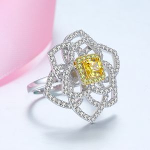 Qings Woman Fashion Flower Ring Gold Plated Finger Gift Jewelry Birthday For Girl And Daughter 8US